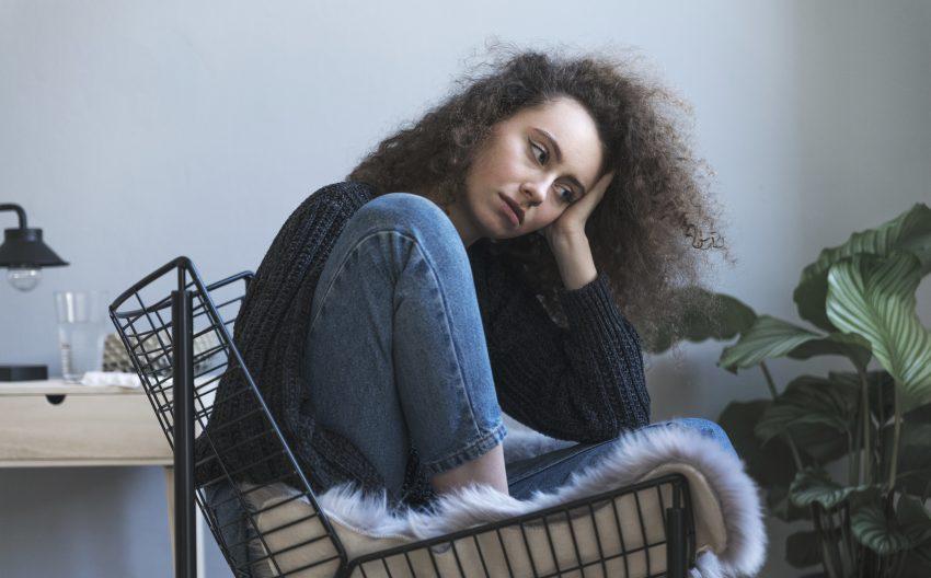 depresja smutna dziewczyna