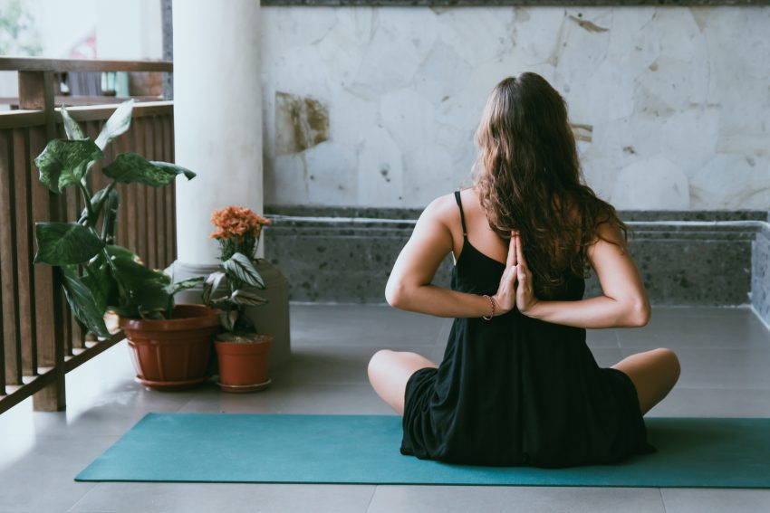"""Naucz się """"odpuszczać"""" – joga ci w tym pomoże"""