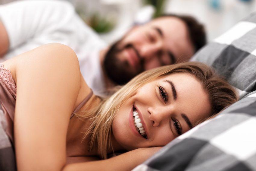 5 rzeczy, które kobiety uwielbiają w łóżku