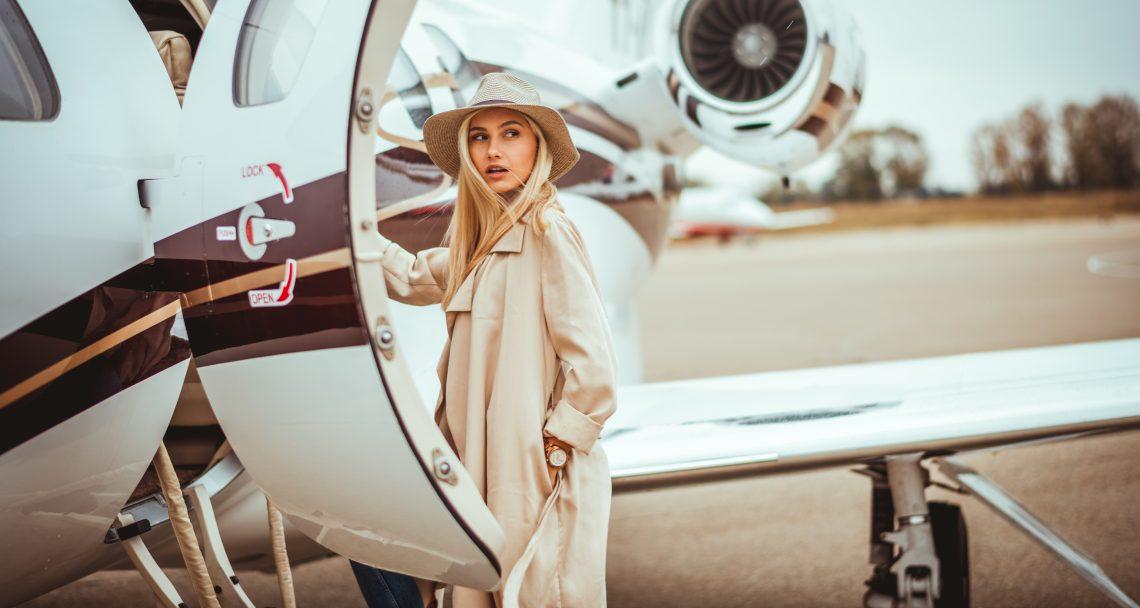 dziewczyna samolot