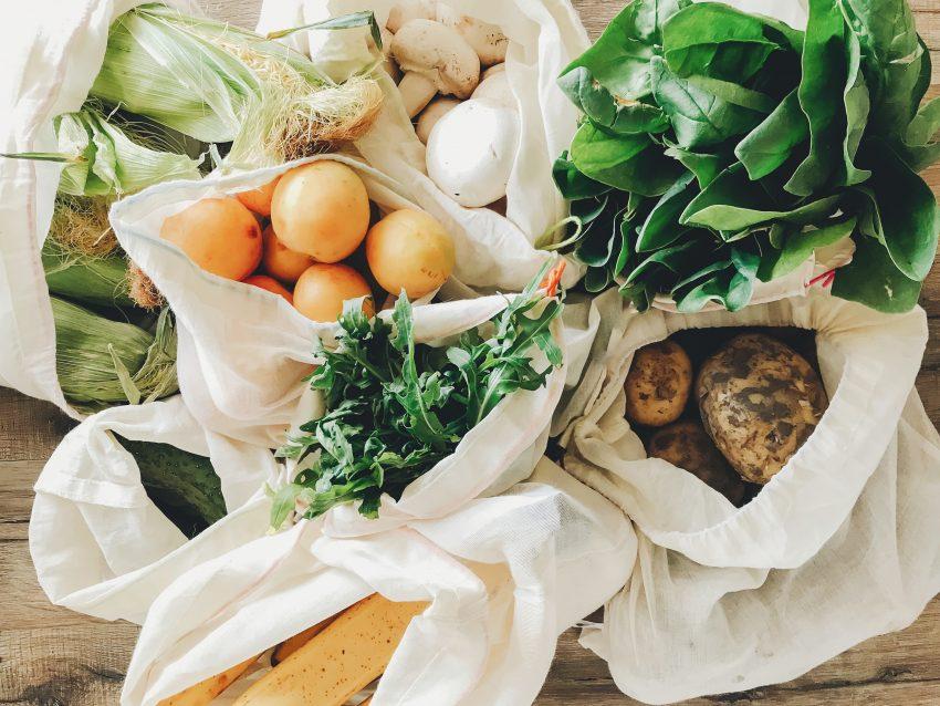 jedzenie w torebkach