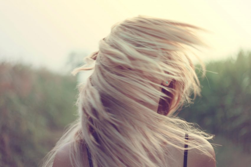 Wypadanie włosów – znajdź przyczynę i walcz!