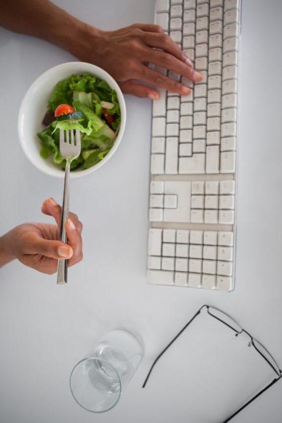 Jak jeść poza domem?