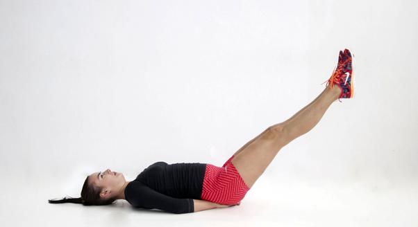 5 fit dziewczyn – 5 najlepszych ćwiczeń na brzuch