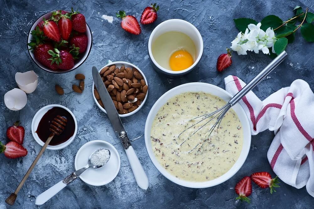 bezglutenowy-omlet-cesarski-z-truskawkami-do-publikacji