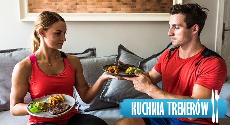 Co zjeść przed treningiem? Stek wołowy z frytkami z batatów i pastą z awokado