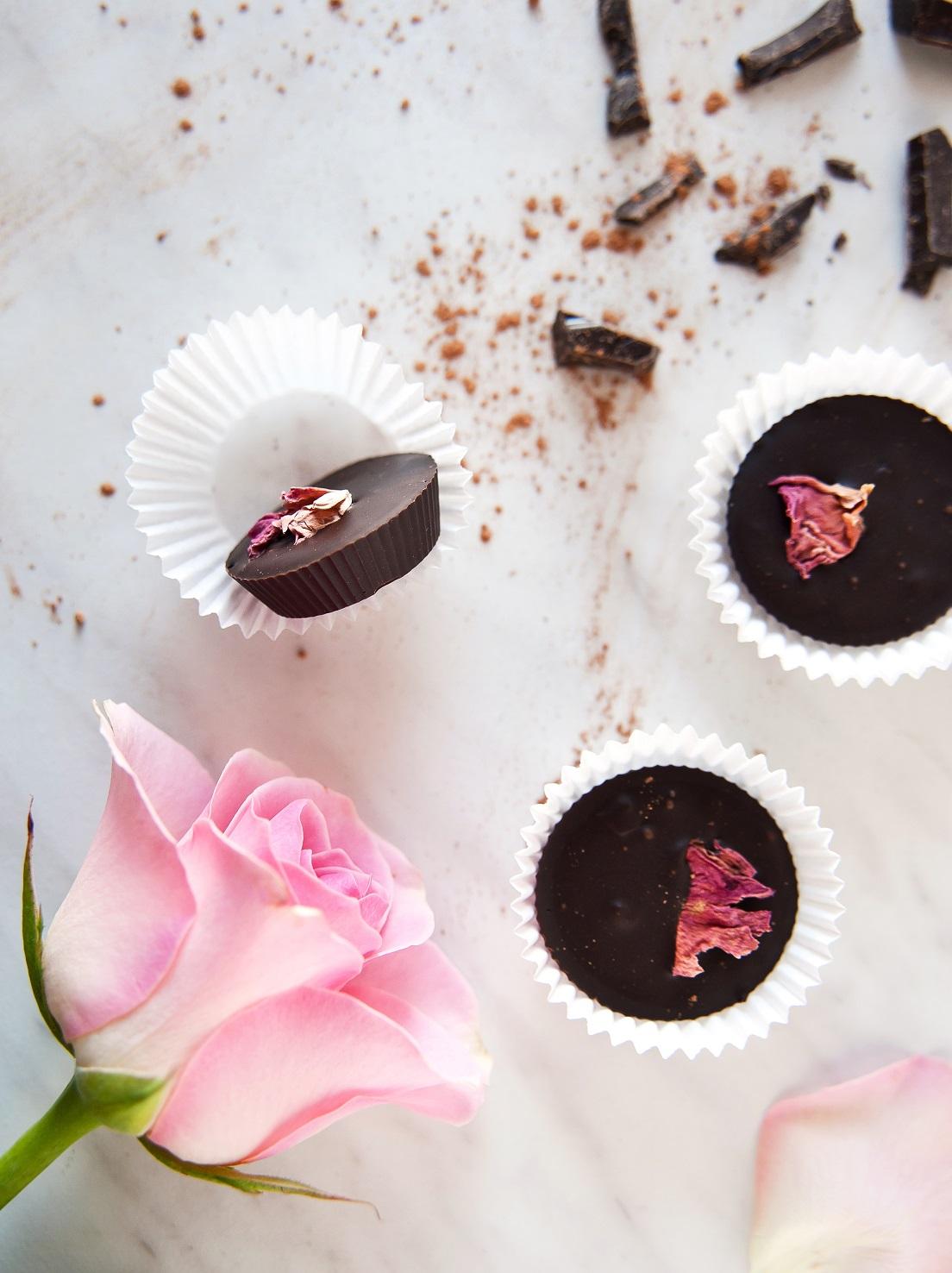 przepis na czekoladki z różą