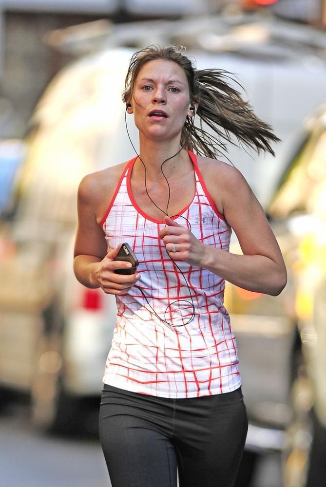 8 dowodów, że Claire Danes prowadzi zdrowy styl życia (a ja nie)