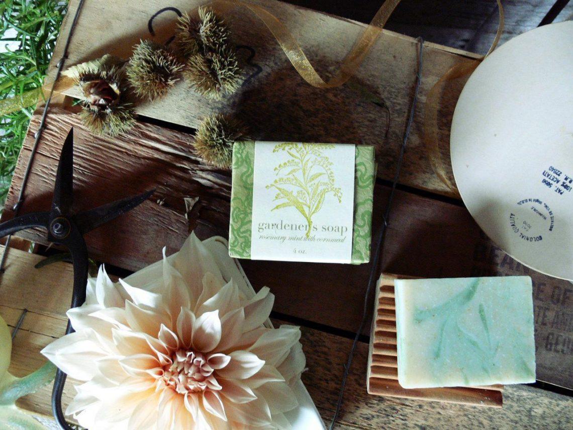 Saipua – kwiaty, mydło i koniec świata