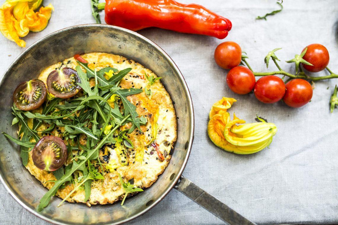Omlet bez mąki z warzywami