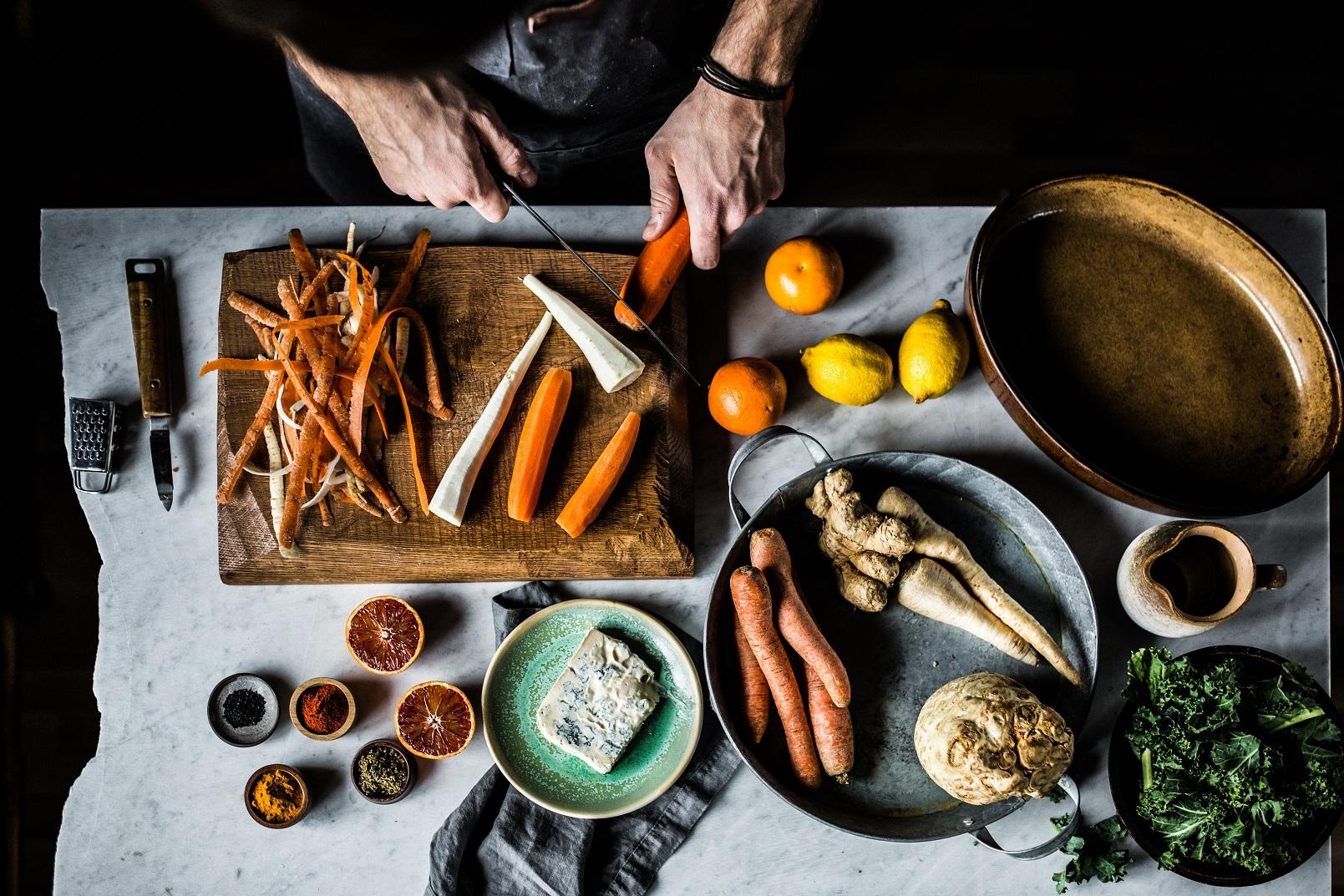 warzywa korzeniowe w salatce