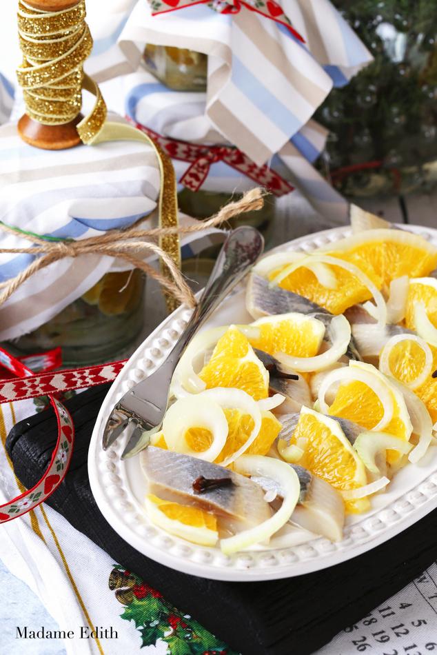 12 potraw wigilijnych_sledzie w pomaranczach