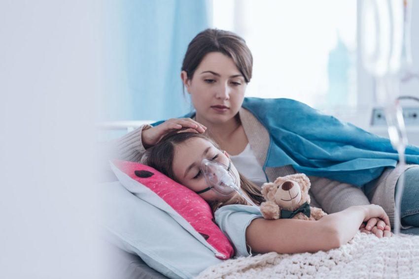 W szpitalu matka z córką chora na mukowiscydozę