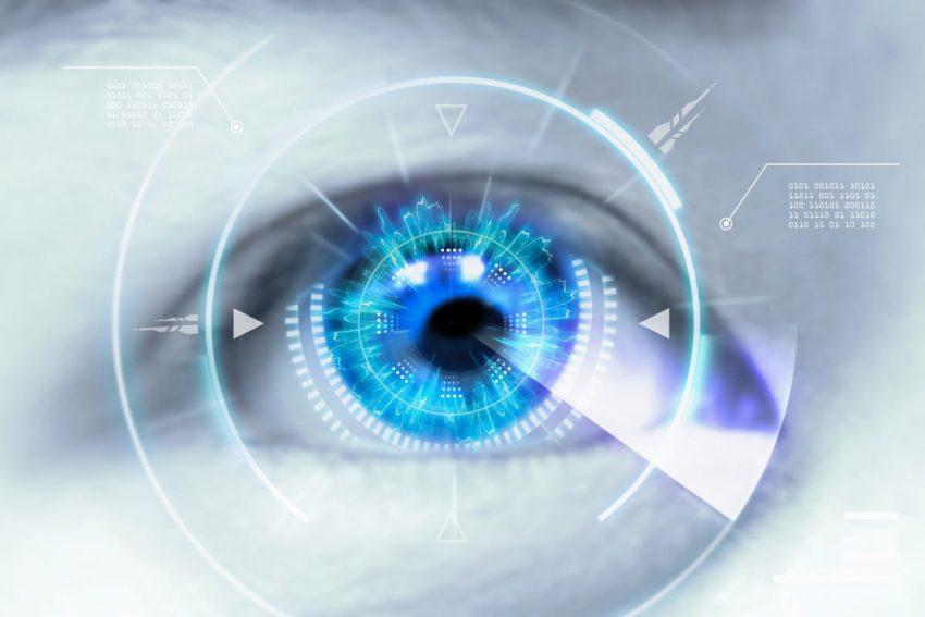 Zbliżenie oka i graficzne przedstawienie skali wady wzroku