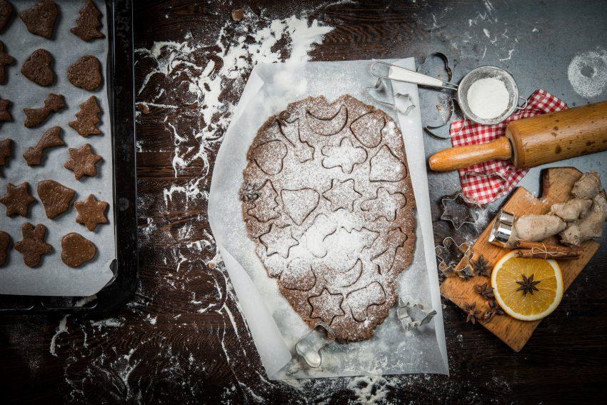 Rozwałkowane ciasto na pierniki