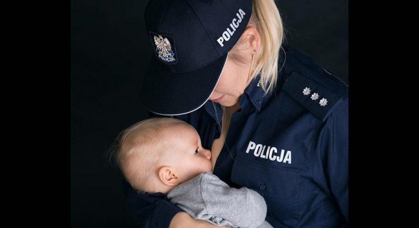 Policjantka karmiąca piersią