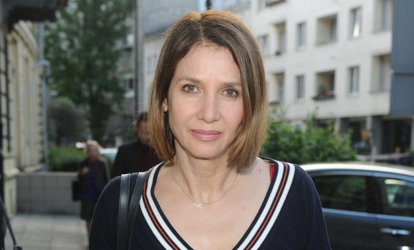 Grażyna Wolszczak w czarnym sweterku