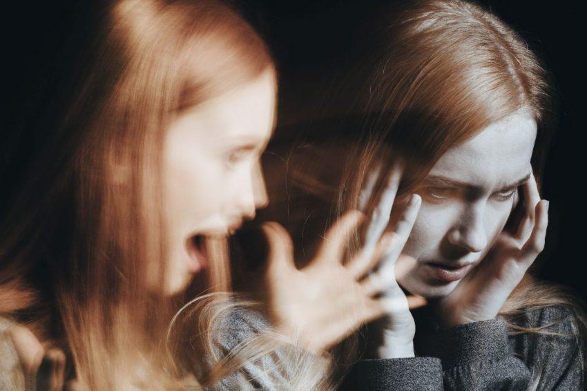 Test schizofrenii na młodej dziewczynie
