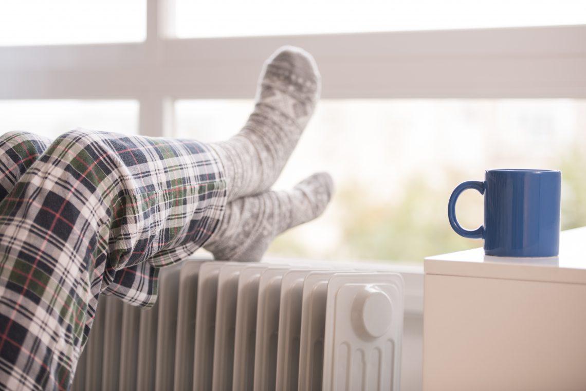 772f1a59 Masz wiecznie zimne stopy? Poznaj 5 przyczyn, które powodują chłód ...