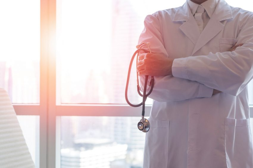 lekarz, reumatolog