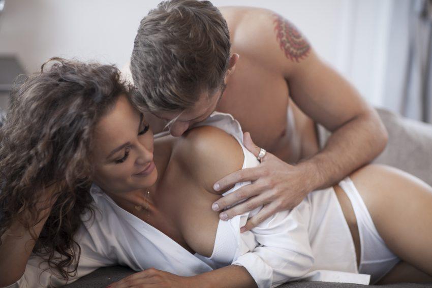 10 rzeczy, które możesz zrobić, aby łatwiej osiągnąć orgazm