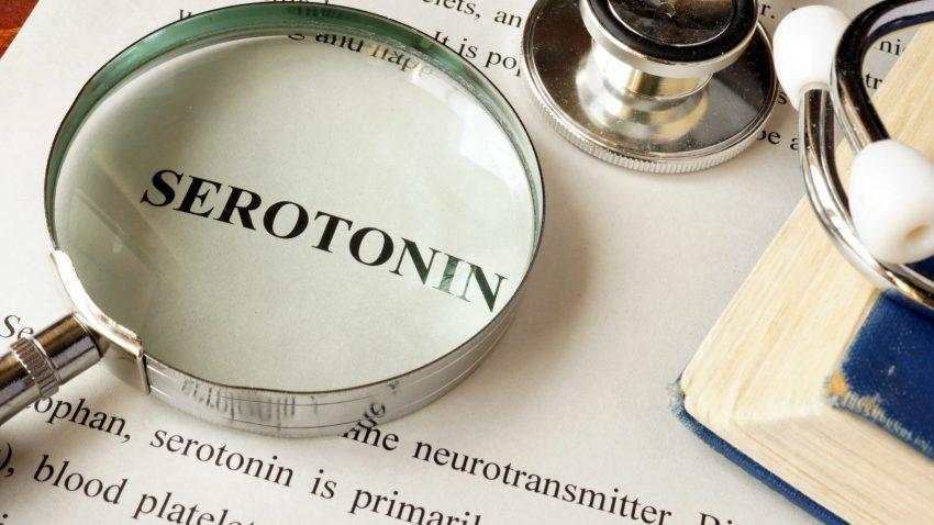 serotonin na kartce