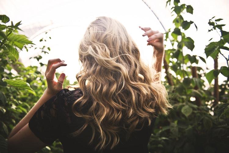 włosy dziewczyny