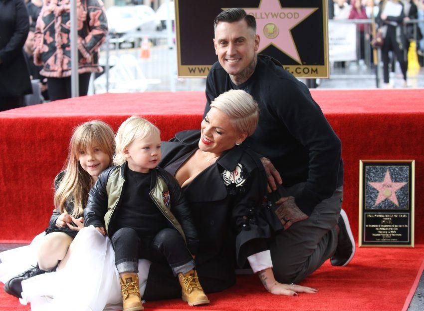 Pink z mężem i dziećmi