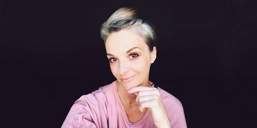 Joanna Michalska, dziewczyna z siwymi włosami
