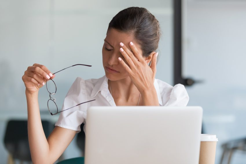Migrena u kobiety / istockphoto.com