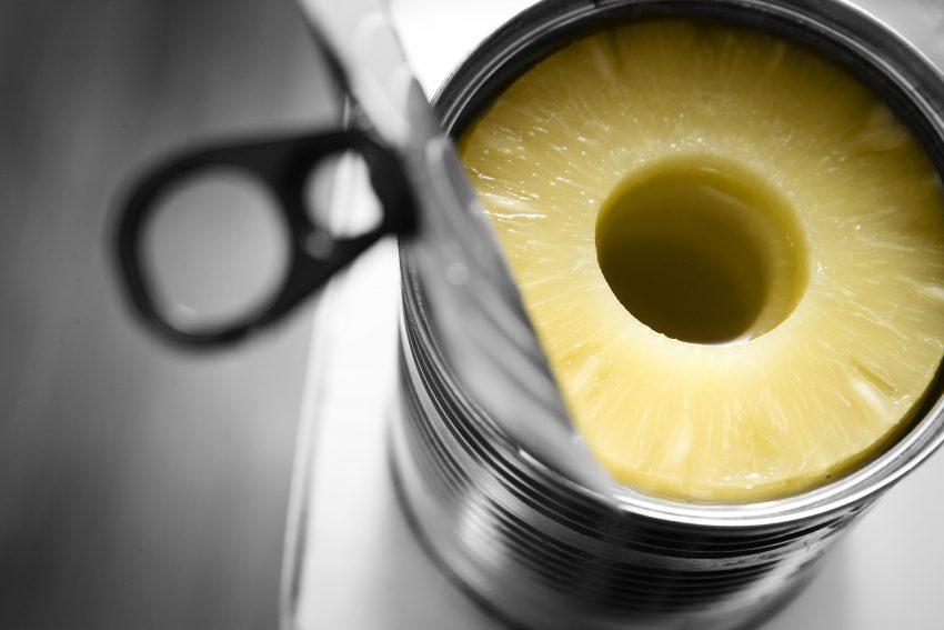 Ananasy w puszce