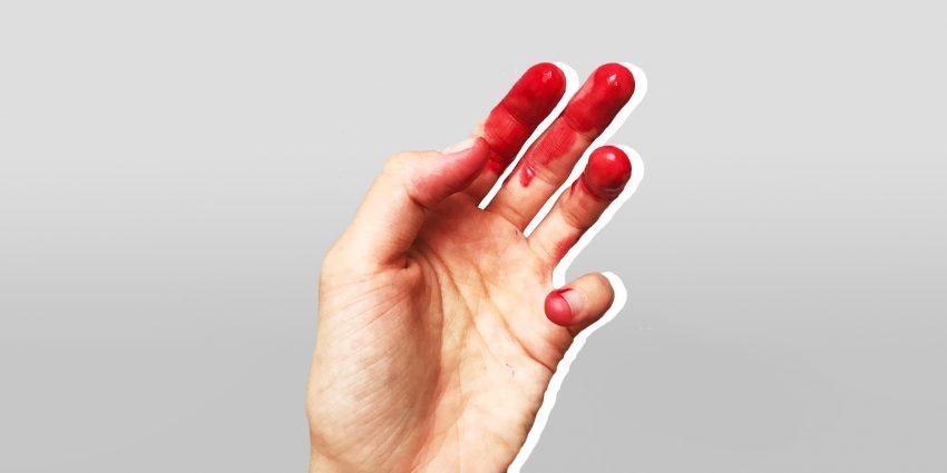 palce w krwii