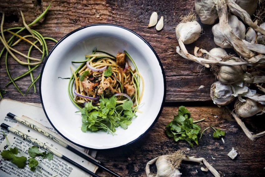 Orientalna jesień! Spaghetti z dyni i cukinii z indykiem