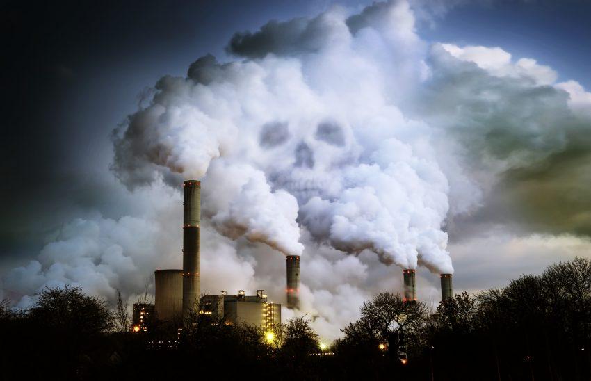 Smog i zanieczyszczenia powietrza / istockphoto