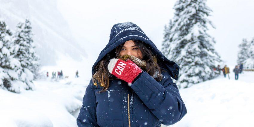 kobieta na dworze zimą