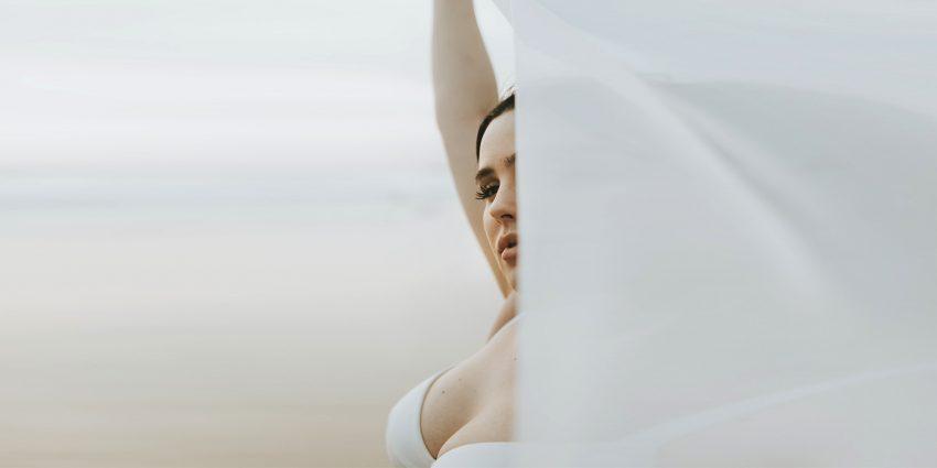 Powiększanie biustu - naturalne i chirurgiczne sposoby