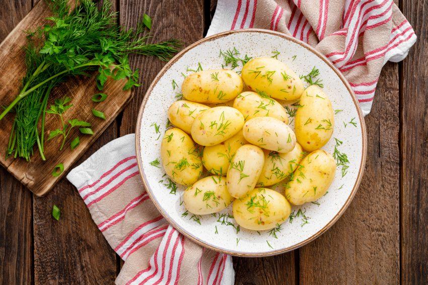 Ziemniak młody czy wczesny? Jak je odróżnić i który z nich jest zdrowszy? Odpowiada specjalistka ds. żywienia